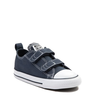 Alternate view of Converse Chuck Taylor All Star 2V Lo Sneaker - Baby / Toddler